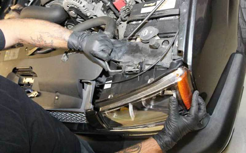 adjusting headlight bulbs